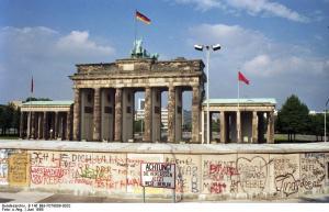 Berlin, Brandenburger Tor mit Berliner Mauer